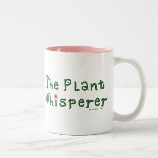 El whisperer de la planta taza de café de dos colores