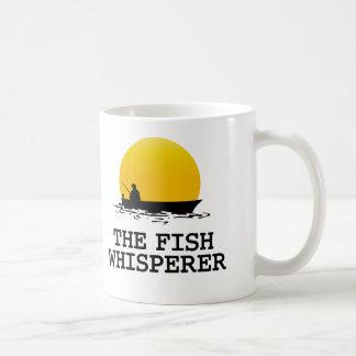 El Whisperer de los pescados Taza Básica Blanca