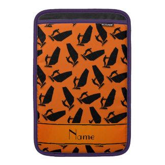 El windsurfing negro anaranjado conocido funda para macbook air