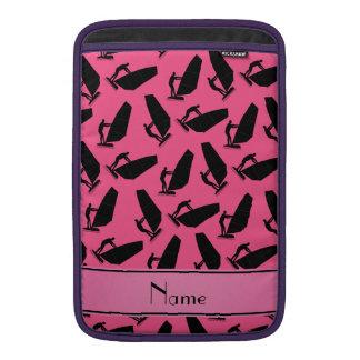 El windsurfing negro rosado conocido personalizado fundas MacBook