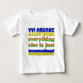 El xilófono todo es apenas acompañamiento tshirts