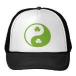 el ying irlandés y yang gorras