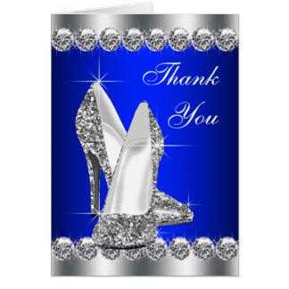 El zapato elegante del tacón alto del azul real le tarjeta pequeña