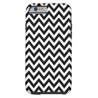 El zigzag blanco negro de Chevron raya el modelo Funda De iPhone 6 Tough