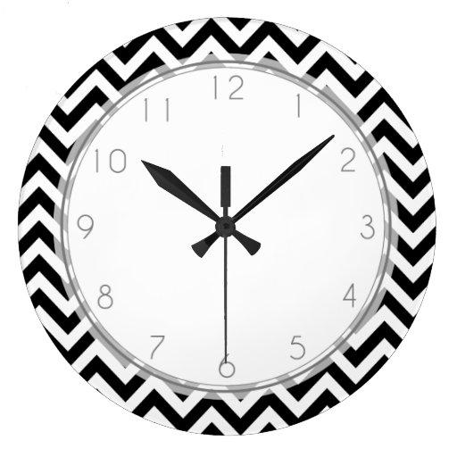 El zigzag blanco y negro raya el modelo reloj redondo grande