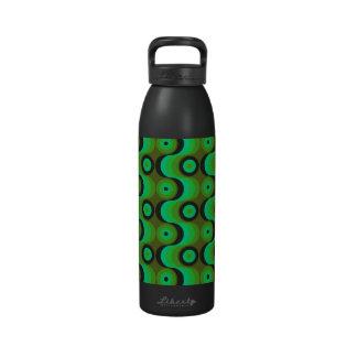 El zigzag curvado alinea los años 70 verdes de los botella de agua