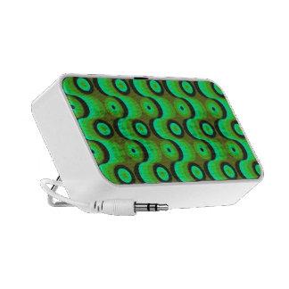 El zigzag curvado alinea los años 70 verdes de los PC altavoces