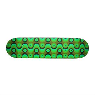 El zigzag curvado alinea los años 70 verdes de los patines