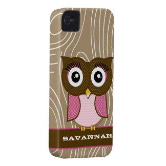 El zigzag de madera del grano del búho rosado iPhone 4 Case-Mate funda
