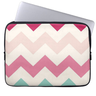 El zigzag en colores pastel del galón raya moda de funda ordendadores