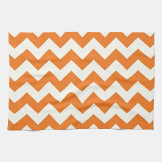 El zigzag poner crema anaranjado de Chevron de la Toallas