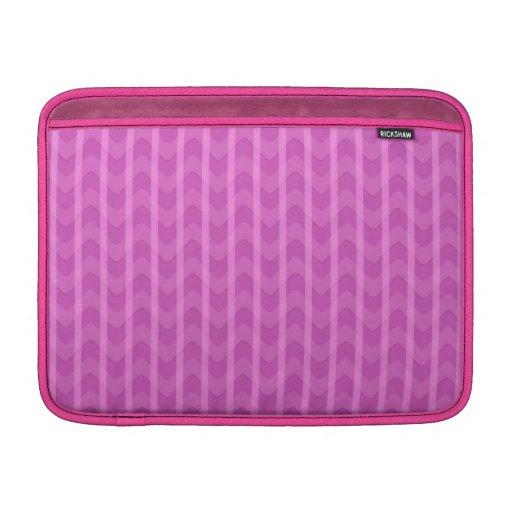 El zigzag rosado femenino de moda raya el modelo fundas MacBook