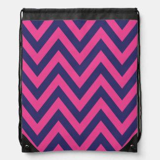 El zigzag rosado y azul raya el modelo de Chevron Mochila