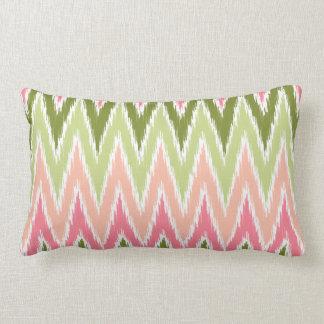 El zigzag verde rosado de Ikat Chevron raya el mod Cojin