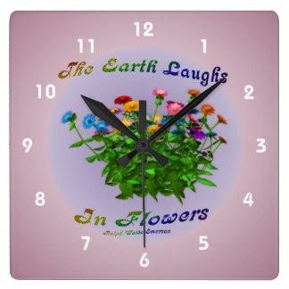 El Zinnia de la cita de la tierra florece inspirad Reloj Cuadrado