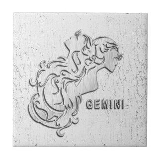 El zodiaco de plata de los géminis hermana la teja