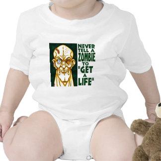El zombi consigue una vida trajes de bebé