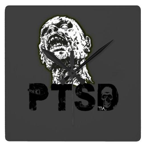 el zombi tiene PTSD Relojes De Pared