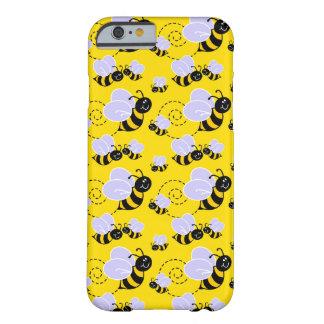 el zumbido lindo feliz manosea abejas funda de iPhone 6 barely there