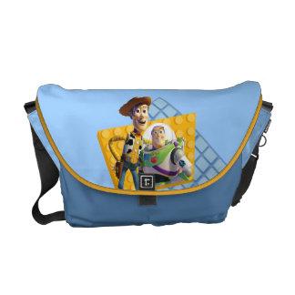 El zumbido y Woody de Toy Story Bolsas De Mensajería
