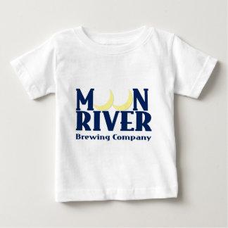 Elaboración de la cerveza del río de la luna polera