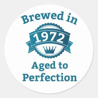 Elaborado cerveza envejecido en 1972 a la pegatina redonda