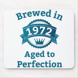 Elaborado cerveza envejecido en 1972 a la alfombrilla de ratón