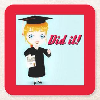 Elación de la graduación posavasos desechable cuadrado