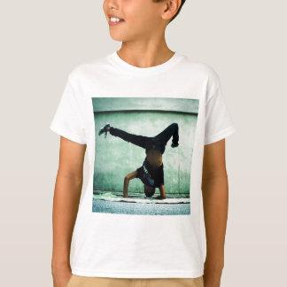 Elbow freeze cool design T-Shirt