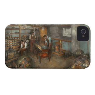 Electrician - Electrical Engineering course 1915 iPhone 4 Case-Mate Case