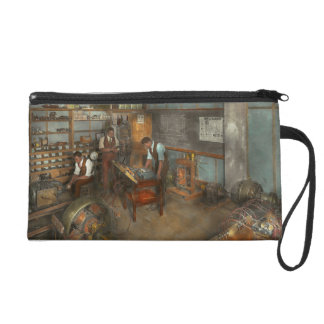 Electrician - Electrical Engineering course 1915 Wristlet Purse