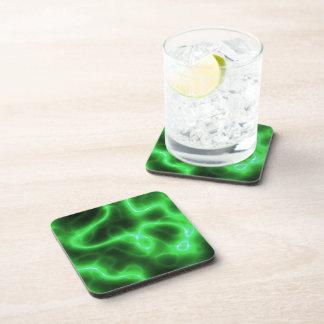 Electricidad abstracta verde que brilla intensamen posavasos de bebidas