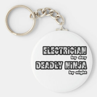 Electricista por el día… muerto Ninja por noche Llavero Redondo Tipo Pin