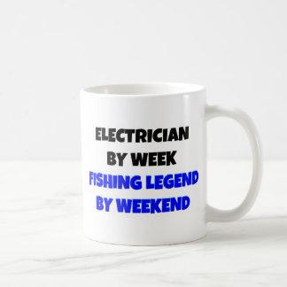 Electricista por leyenda de la pesca de la semana  tazas