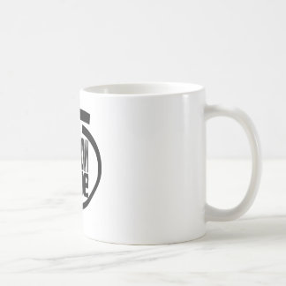 Electricista principal dentro taza básica blanca