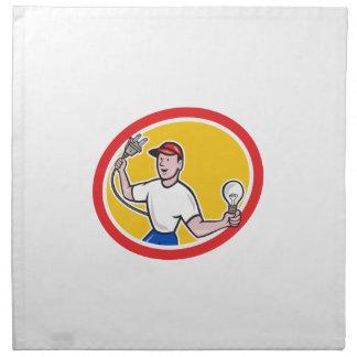 Electricista que lleva a cabo el enchufe eléctrico servilleta imprimida