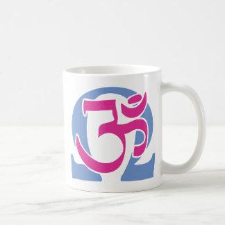 Electro taza del té y de café del símbolo de OM