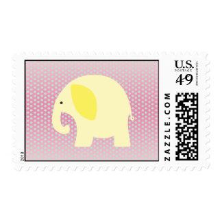 Elefante amarillo del bebé en rosa envio