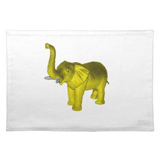 Elefante amarillo mantel