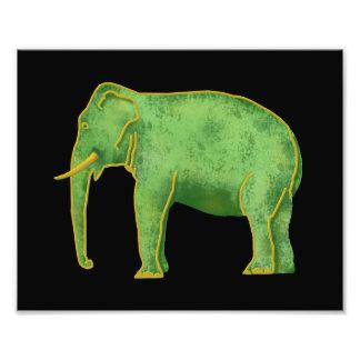 Elefante antiguo del oro y del jade fotografía