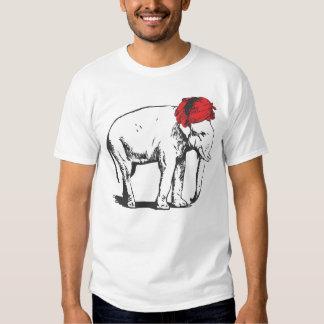 Elefante blanco con la camiseta roja del turbante poleras