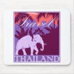 Elefante blanco de Tailandia del viaje Alfombrilla De Ratón