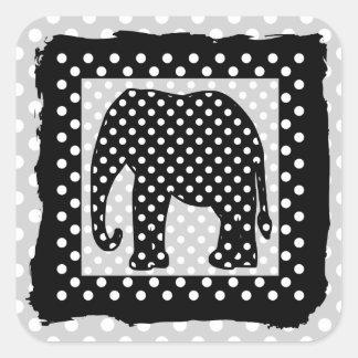 Elefante blanco y negro de los lunares