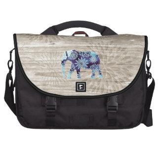 Elefante caprichoso lindo en el diseño de madera bolsa para ordenador