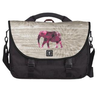 Elefante caprichoso lindo en el diseño de madera bolsas de portátil