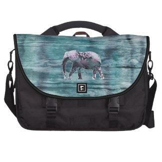 Elefante caprichoso lindo en el diseño de madera bolsas para portátil