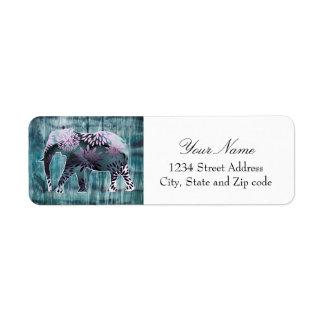Elefante caprichoso lindo en el diseño de madera etiqueta de remitente