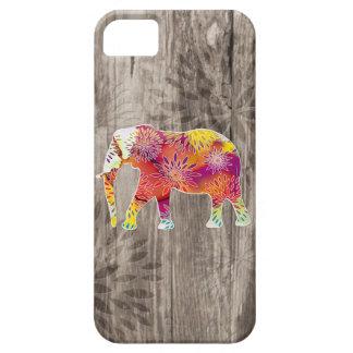 Elefante caprichoso lindo en el diseño de madera iPhone 5 fundas