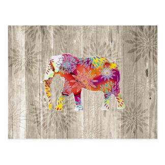 Elefante caprichoso lindo en el diseño de madera postales