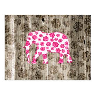 Elefante caprichoso lindo en el diseño de madera y tarjeta postal